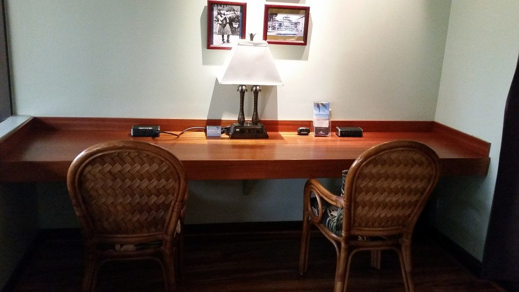 iass hawaii lounge review priority pass lounge hnl