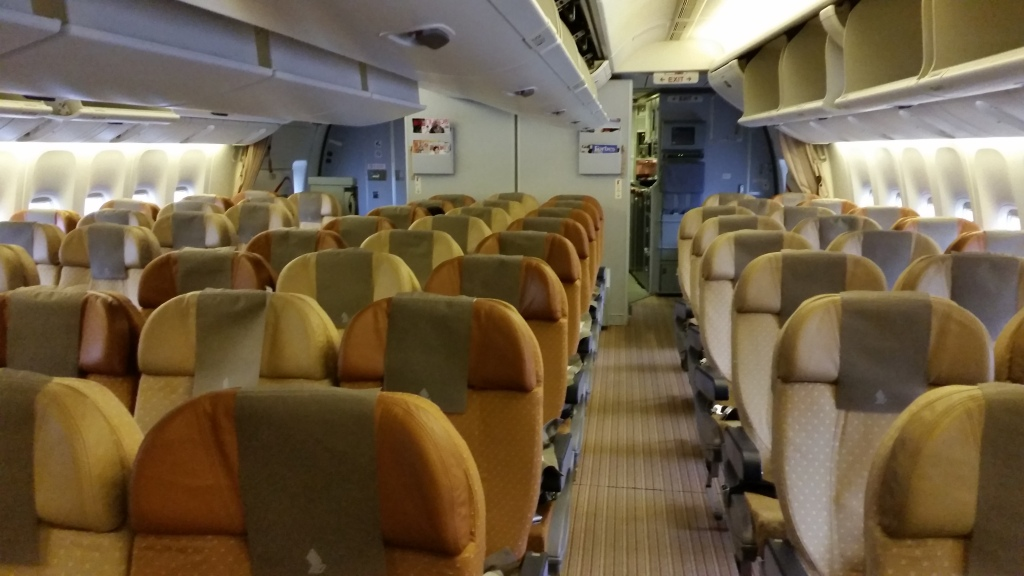 singapore airlines economy class review 777